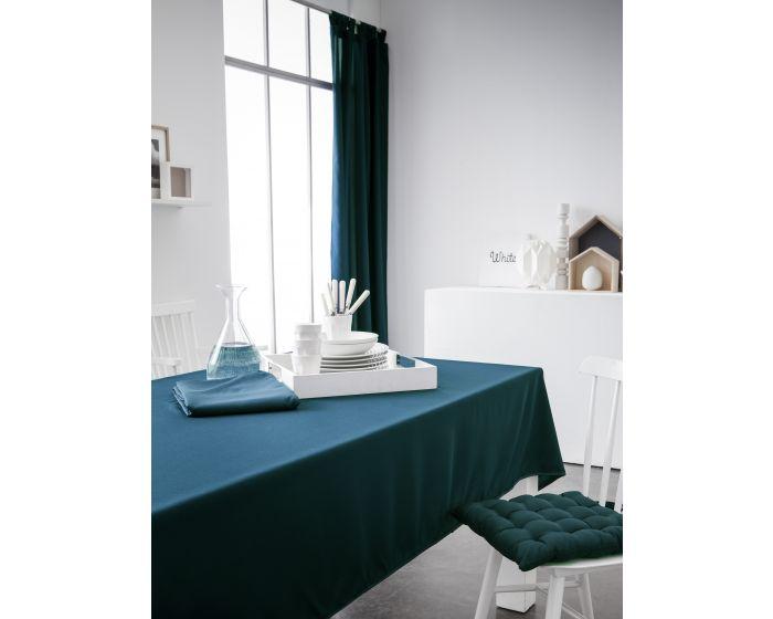 Een toefje kleur met de tafelkleden en gordijnen van Today